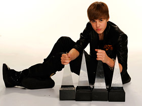 2010 American Music Awards Was A Great Show/Bieber Big Winner